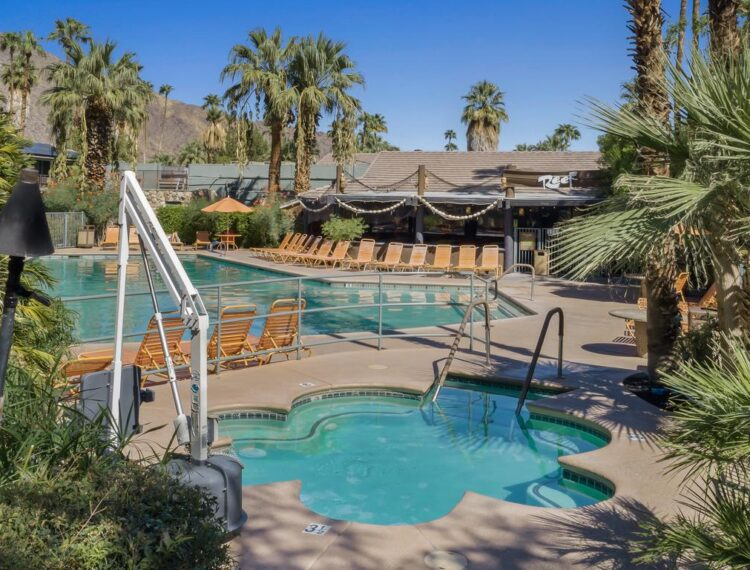 Caliente Tropics pool