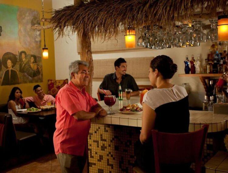 People at El Mirasol bar