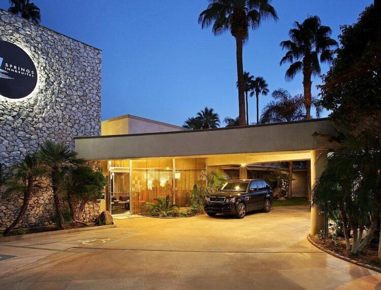 7 springs hotel