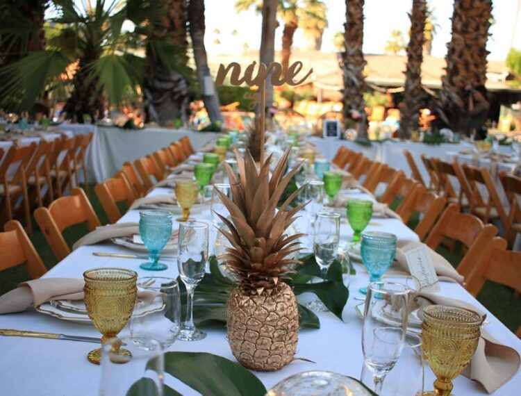Caliente Tropics dining room table