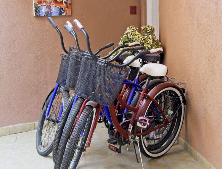 Inn at Palm Springs bikes