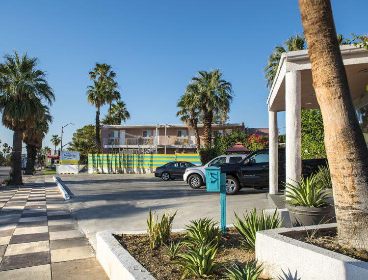 Inn at Palm Springs exterior