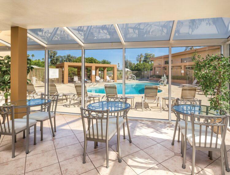 The Plaza Resort & Spa patio