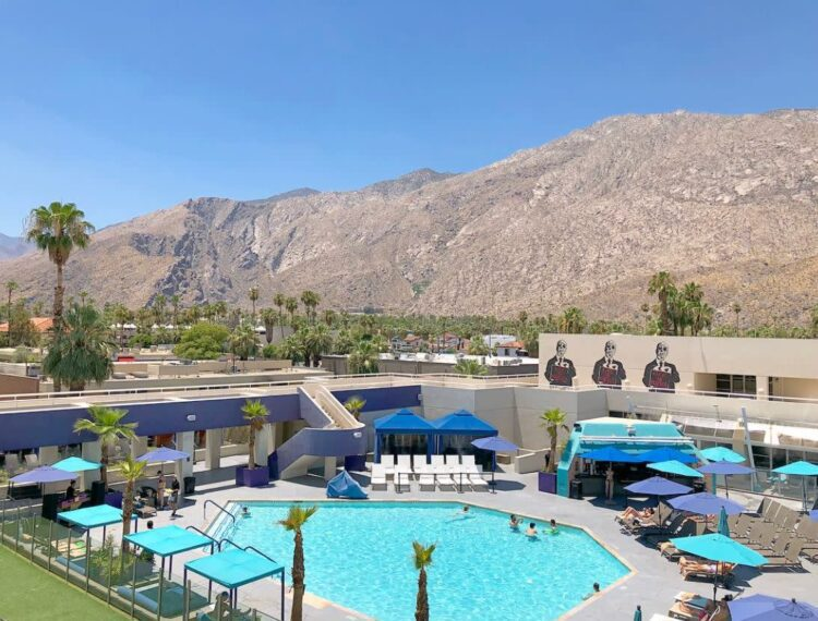 Hotel Zoso pool area