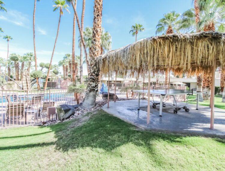Desert Isle outdoor space