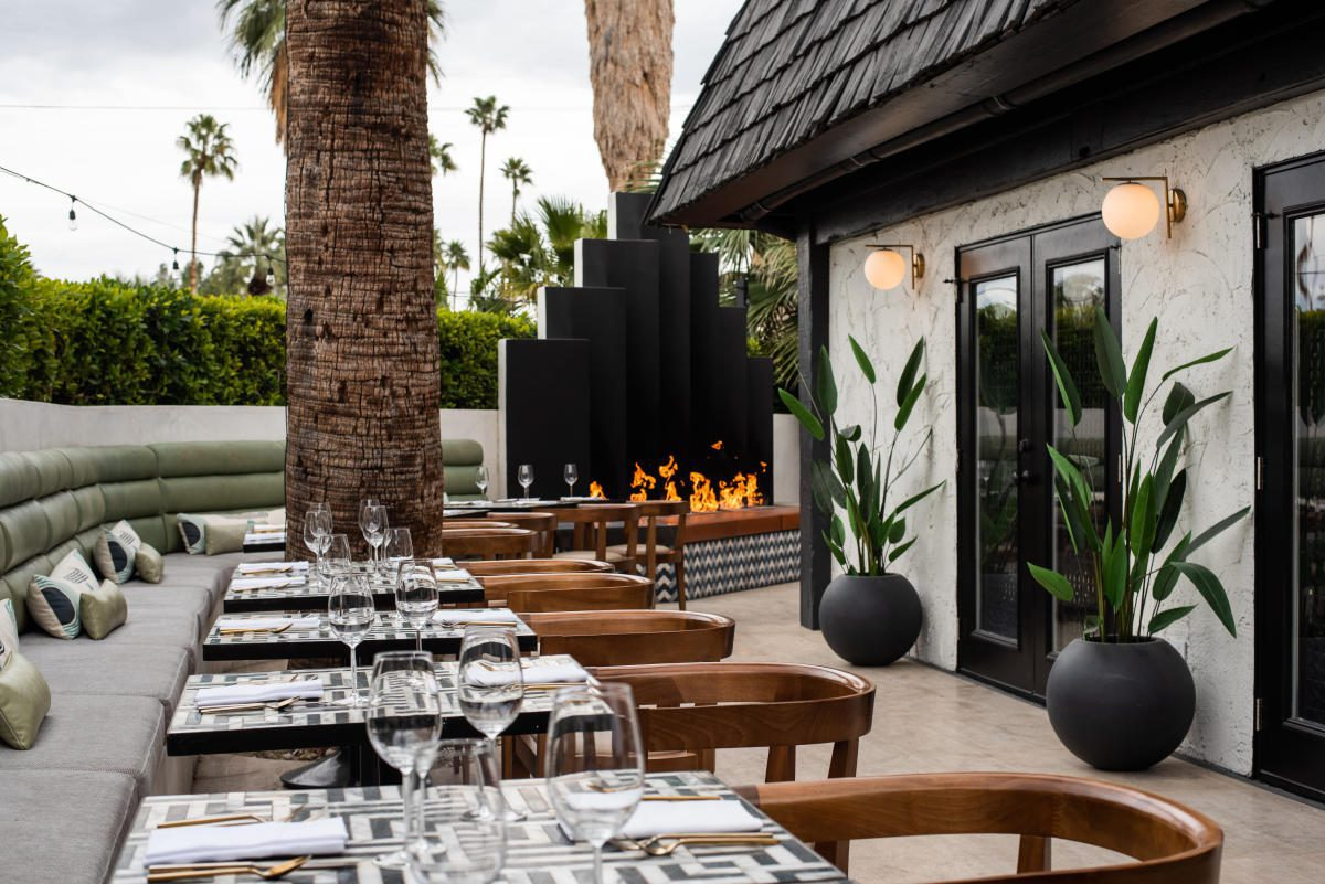 Mr Lyons restaurant palm springs