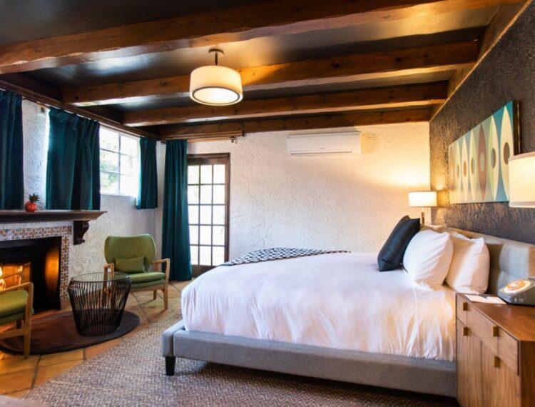 Villa Royale guestroom