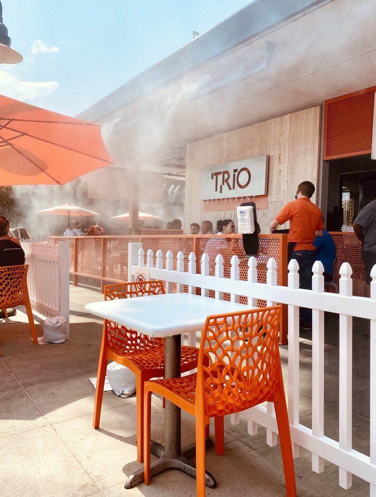 Trio Palm Springs patio