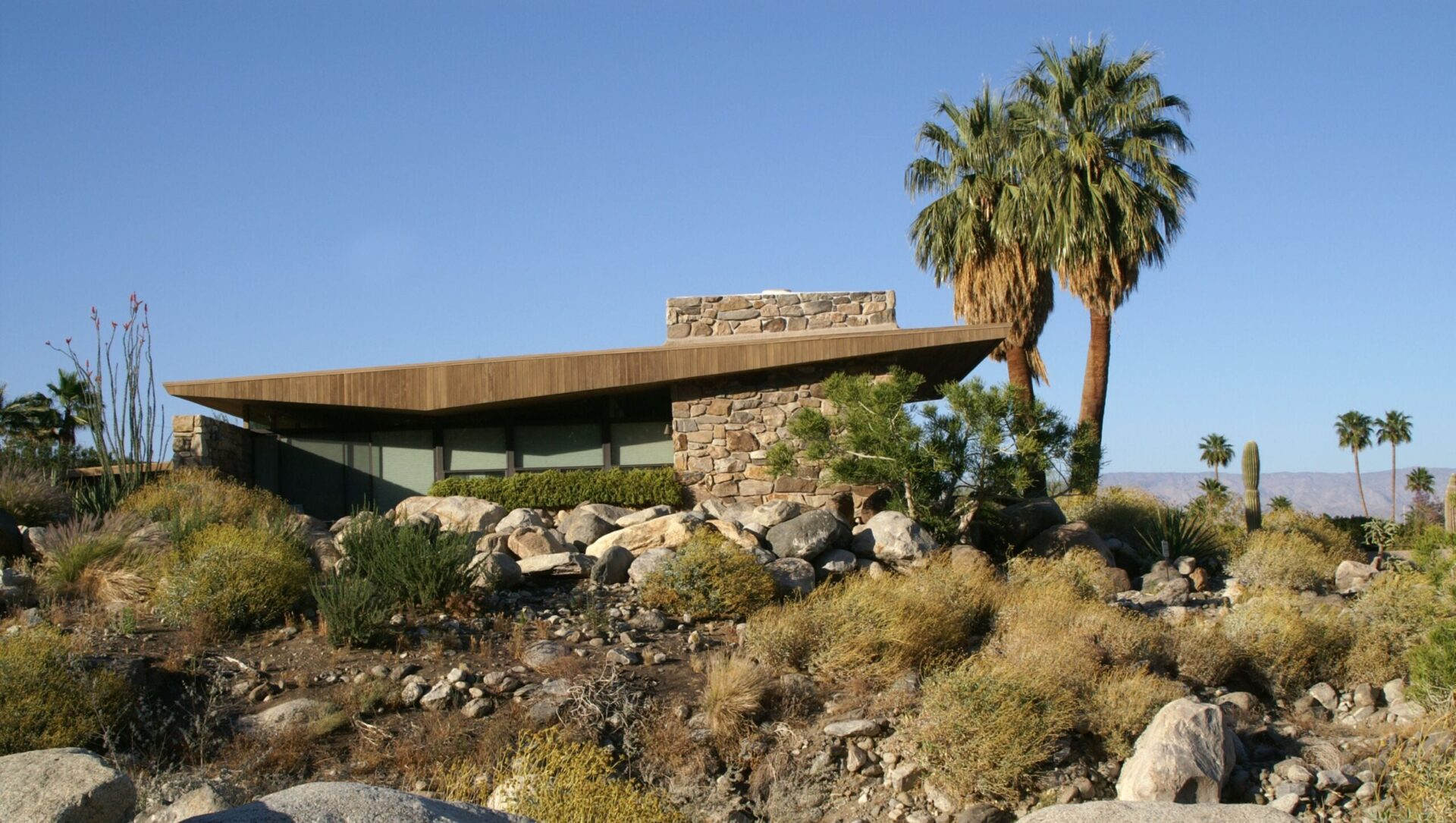 Edris House  by architect Stewart Williams in palm springs