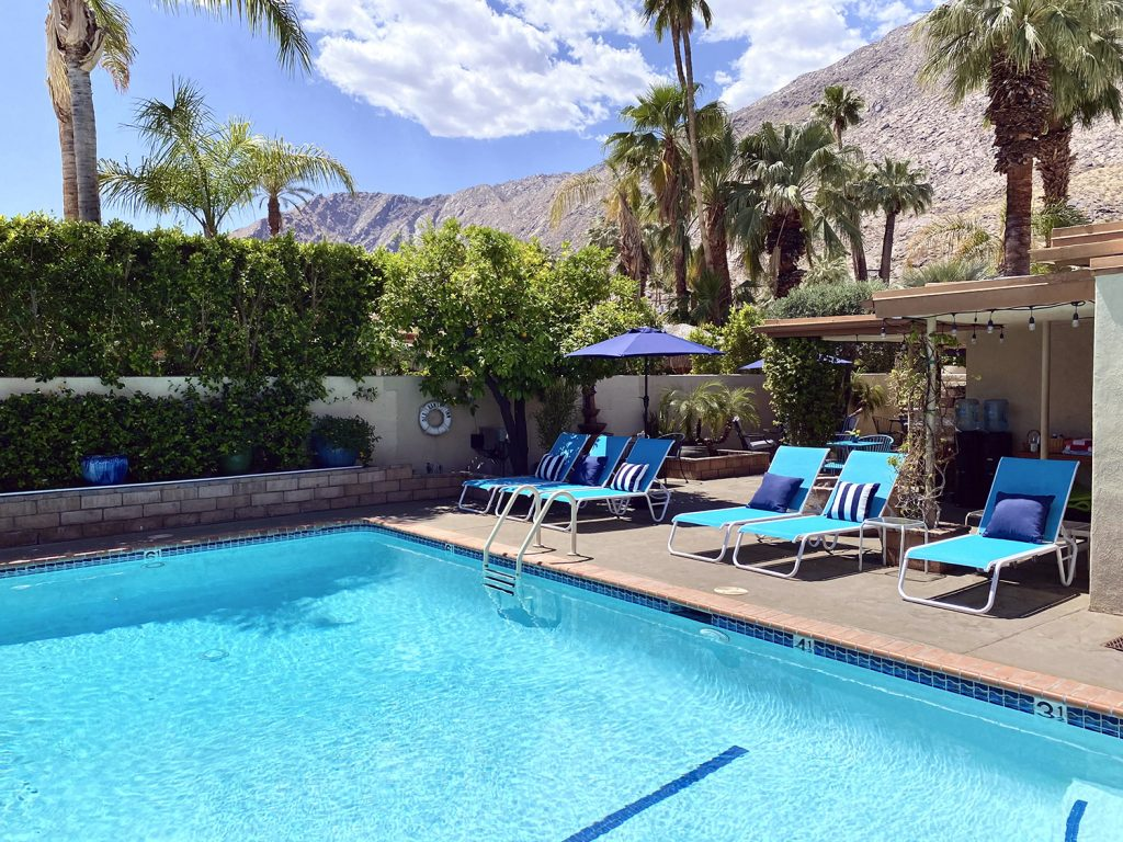 Old Ranch Inn pool