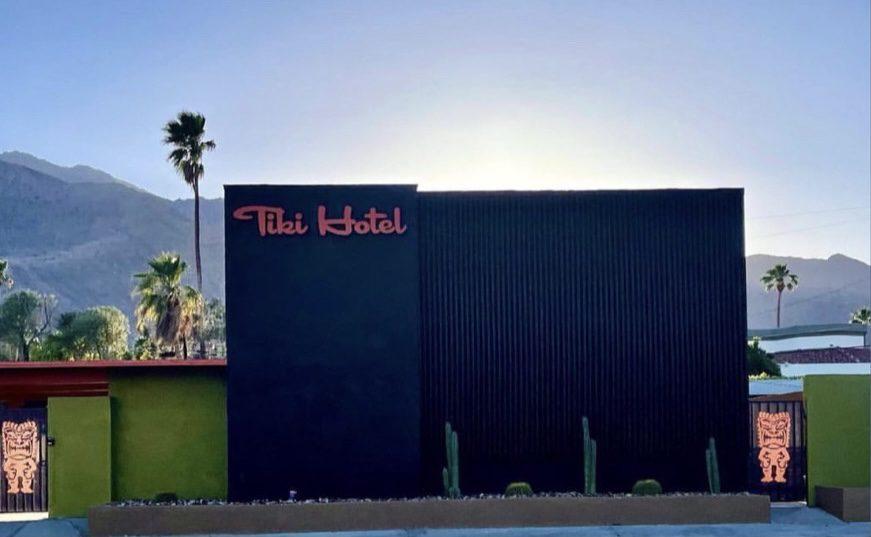 palm springs tiki hotel
