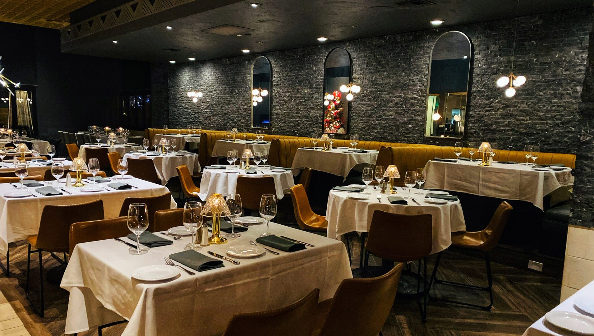 kaiser grille main dining room